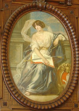 Photo of the painting of a Justice in Paris's courtroom number 10